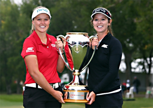 Skechers-Brooke-Henderson-and-sister